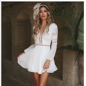YOU MAKE IT EASY DRESS WHITE— from Hello Molly